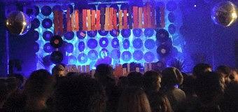 Dancecrew8 live op locatie bij Grown Up
