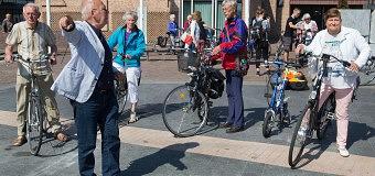 Ouderen op pad met fietscoach