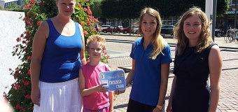 Kinderen van de Eerste Heilige Communie Swifterbant leveren bijdrage aan sporten voor kinderen met een beperking