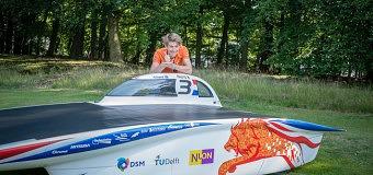 Wouter Feil presenteert nieuwe zonneauto: Nuna8