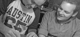 Zanger uit Dronten tekent platencontract
